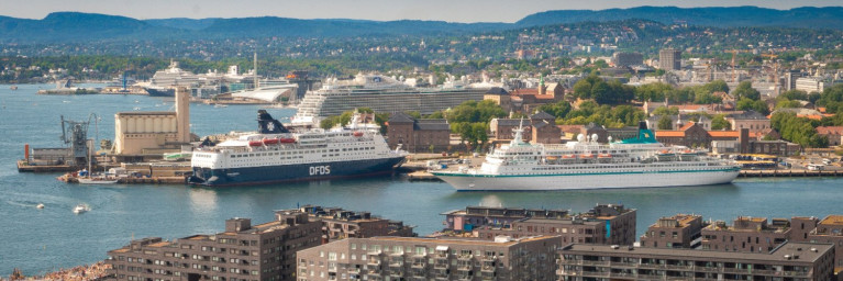 ESPO's Conference for this year has been postposed to May 202I though the venue is still scheduled to be hosted by the Port of Oslo, Norway where in this file photo above in the foreground a ferry and cruiseship are berthed. AFLOAT has identified these vessels, on the left is Danish ferry operator's DFDS's Crown Seaways however the ship's route between the Nordic capital and Copenhagen, Denmark is currently not operating due to Covid-19. As for the other vessel, this is the German cruise firm Pheonix Reisen's Albatros.
