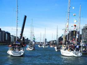 East Link already up, Sam Beckett starting to swing…..it could only be in the heart of Dublin with the Cruising Association of Ireland getting together for their friendly invasion and the annual Three Bridges Opening