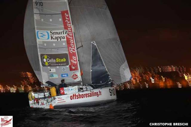 Dolan and his sparring partner Pierre Chedeville, still on port tack over towards Africa, are on 11 and 10 knots respectively