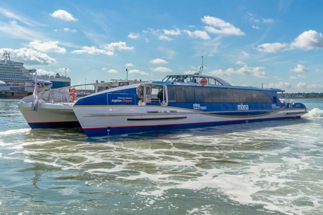 New London Commuter Catamarans Enter Thames Service