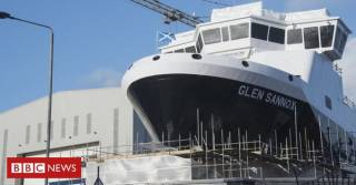The sole surviving commercial shipyard on the Clyde, Afloat adds is Ferguson Marine at Port Glasgow, where the facility is intended to be put into administration. Above the much delayed dual-fuel newbuild Glen Sannox planned for CalMac's Isle of Arran ferry route on the Firth of Clyde linking Ardrossan.