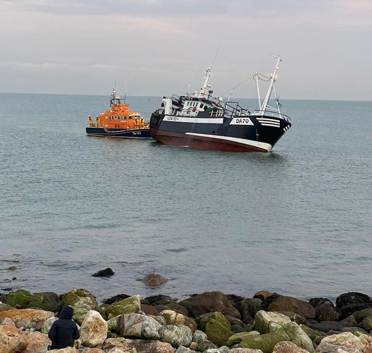 Howth RNLI Rescue Fishing Trawler & Crew After Running Aground
