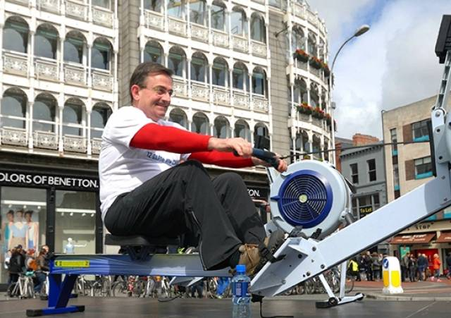 Television personality Eddie Hobbs joined celebrities from the worlds of sport and entertainment by taking part in an on-street rowing demonstration