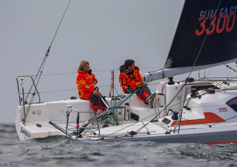 A mixed offshore pair sailing a Sunfast 3300