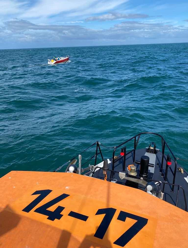 Red Alert - Dunmore East RNLI Assist Dismasted Fastnet 450 Race Yacht 36 Miles Offshore