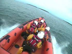 Skerries RNLI en route to Rush Harbour