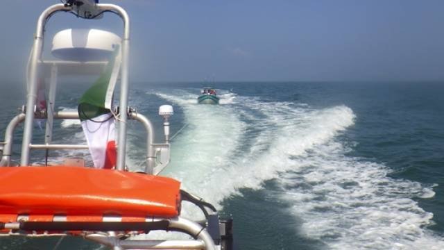 Skerries RNLI tows a motorboat with engine difficulties to Howth