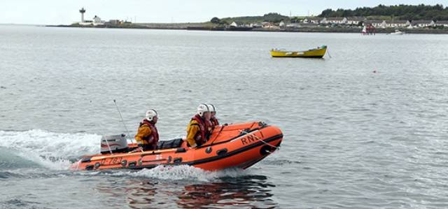 Larne RNLI inshore lifeboat located the three divers at 6.50pm on a cliff face north of The Gobbins