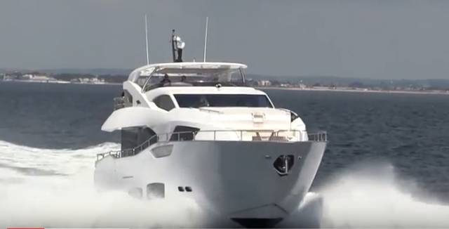 Sunseeker 95 – a modified or warped V hull