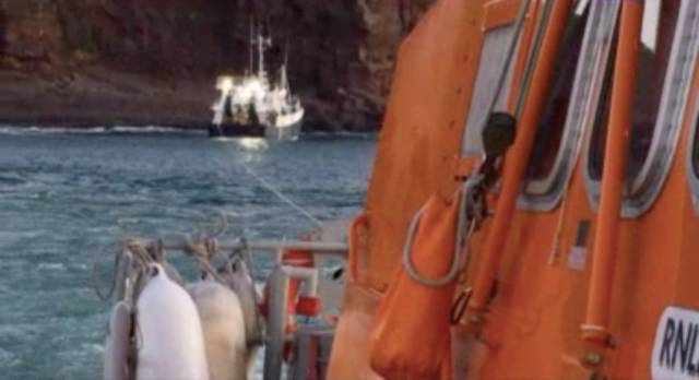 Dunmore East Lifeboat In Early-Hours Rescue Of Five Fishermen After Trawler Runs Aground