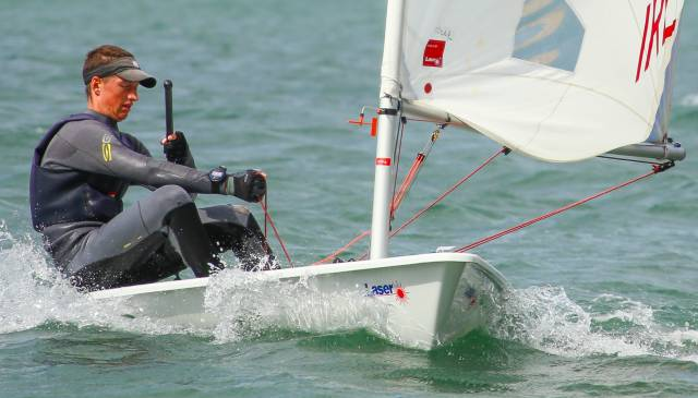 Howth's Ewan McMahon won a qualifying race in the blue fleet at the KBC Laser Radial World Championships in Dun Laoghaire today