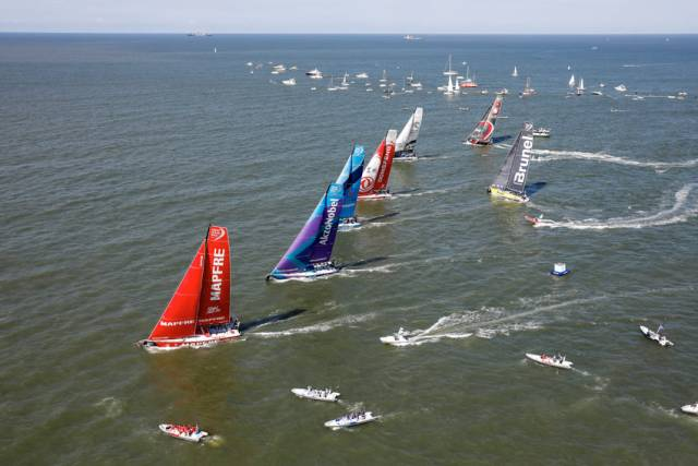 MAPFRE leads the fleet out of Itajaí