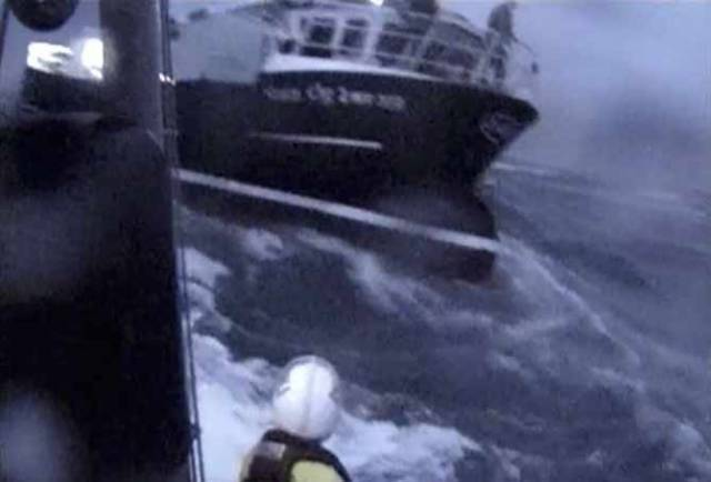Lough Swilly, Portrush & Arranmore RNLI Rescue Five Fishermen in Storm Force Conditions (VIDEO)