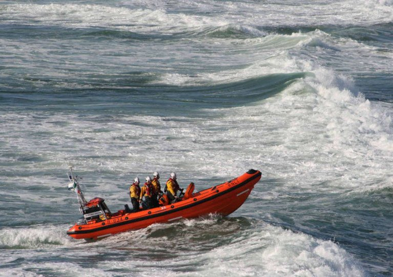 Bundoran Lifeboat Assists in Recovery of Sunken Vessel off Killybegs