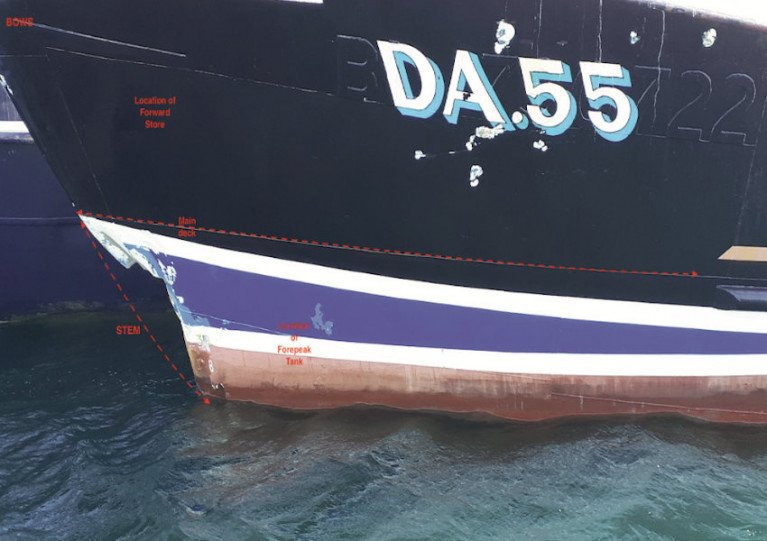 Damage to the hull of the FV Dearbhla from its grounding on rocks on 14 May 2020