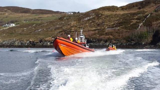 Clifden RNLI volunteers take their Skerries colleagues out on the water