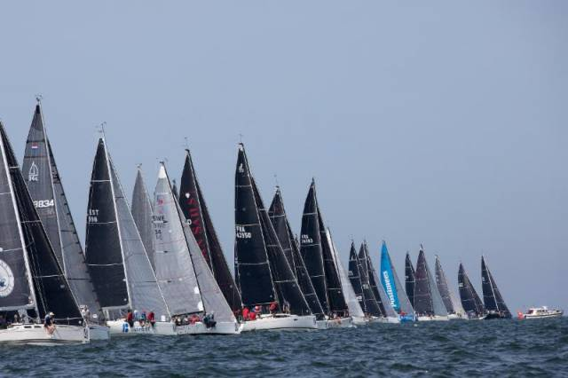 A close Class C start in which sole Irish competitor 'Fools Gold' is racing