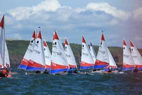 59 competitors sailed six races over the course of the weekend