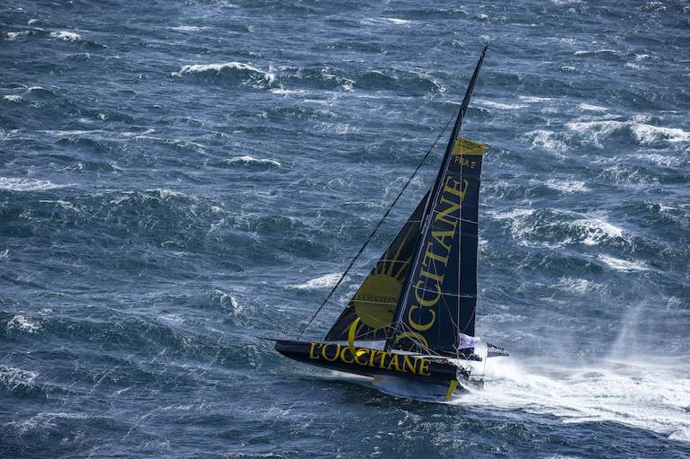 Problems with the hook on board L'Occitane en Provence - Armel Tripon diverts towards La Coruña