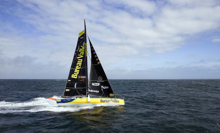 Louis Burton's Bureau Vallée, a narrow lead in the Vendee Globe