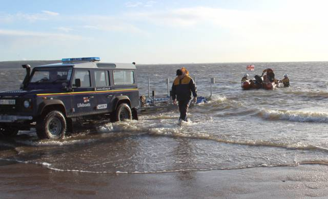 Fethard RNLI launch to recover abandoned kayak
