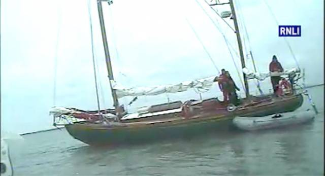 Yacht on Sand Bank with Three Onboard Brought to Safety by Rosslare Harbour and Wexford RNLI (Video)