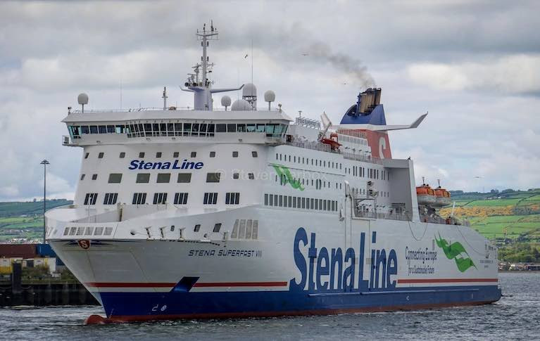 Stena Superfast Ferry Has Close Encounter with Paddleboarder on Belfast Lough