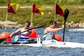Britain's Lizzie Broughton tries to catch Ireland's Jenny Egan in the K1 5,000 metre race at the World Cup in Portugal