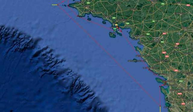 The 500-mile Mini-en-Mai course, starting and finishing off La Trinite sur Mer, is an interesting mixture of coast-hopping and a long offshore leg. Scroll down for  Yellowbrick Tracker.