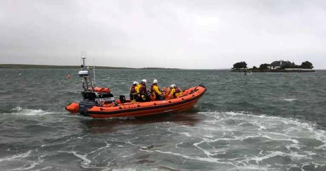 Portaferry RNLI Assist Workers Stranded on Island in Deteriorating Weather Conditions