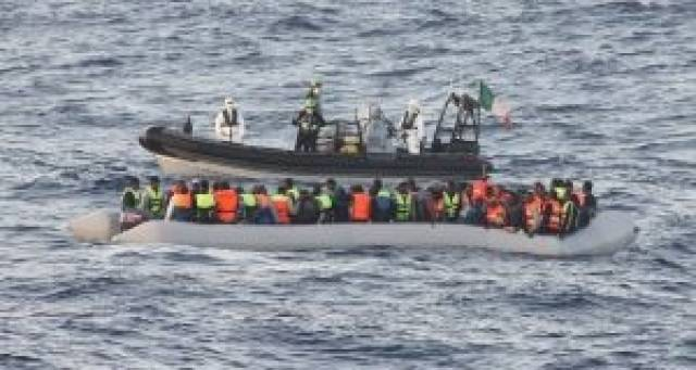 LÉ James Joyce successfully located and rescued more than 400 migrants from a rubber craft off Tripoli, Libya