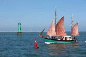 Brian Boru prepares to enter Dublin Port and sail up the River Liffey