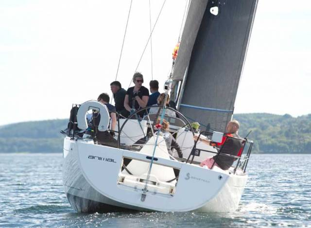 RC35 Scottish Championships Sees 'Banshee' Leading on Ascog Bay
