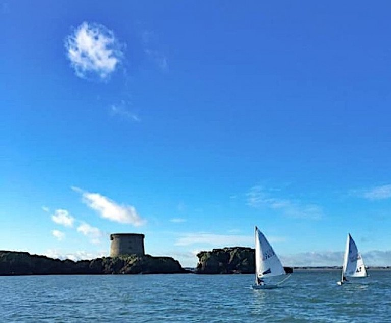 Only a month to the shortest day of the year, yet late November at Howth produces hyper-strong sunshine with a sky so blue they haven't got a name for it yet