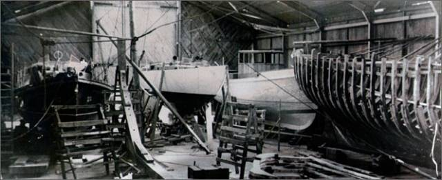 The Tyrrell Yard in Arklow in the 1960s, with a variety of craft under construction, including a pilot cutter. And just to add an extra something special, it's highly likely that is Francis Chichester's Gipsy Moth III nearing completion at the centre of the photo