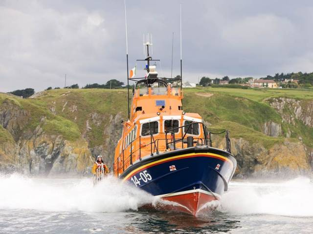 Dun Laoghaire & Wicklow Lifeboats Launch To Paddle Boarder In Distress