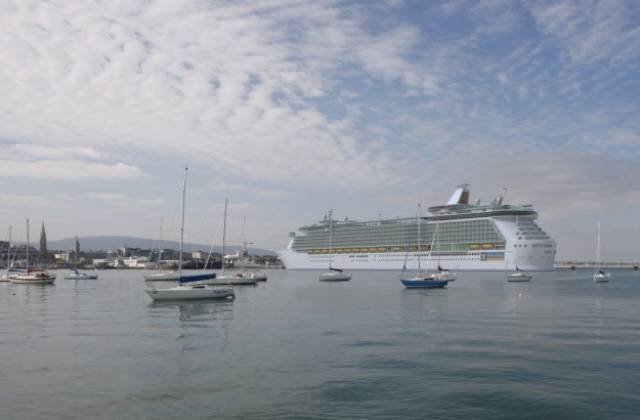 Cruise ship rescues crewmember