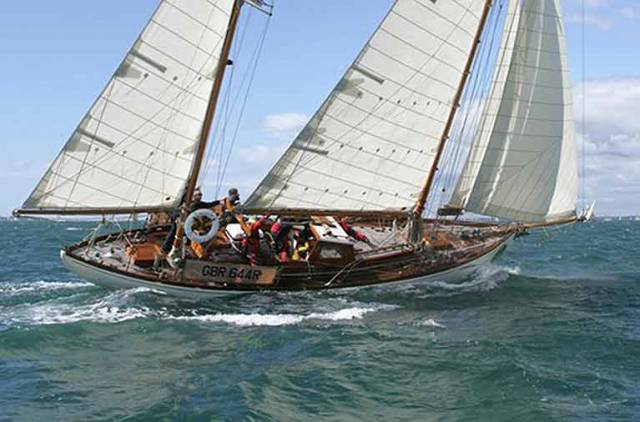 The newly-restored 1937-vintage Arklow-built Maybird racing in the Fastnet in 2011