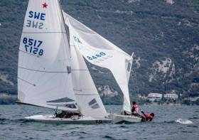 A Star mast is broken in the first day of competition on Lake Garda