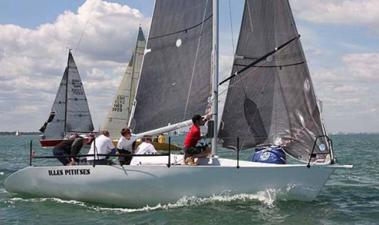 Jason Losty and Cork Harbour crew racing a quarter tonner in 2016 on the Solent