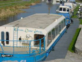Cluaine Uaine Bheag moored at Shannon Harbour in 2009