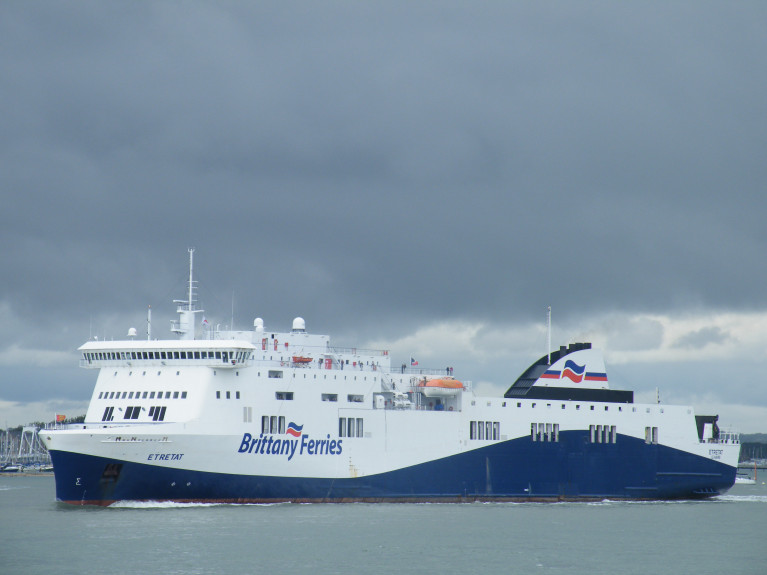 Solent Sisters: Brittany Ferries Connemara is of the same 'Visentini' built ropax class of Etretat (above AFLOAT photo) departing Portsmouth bound for Le Harve, is to return to Irish waters on a new Rosslare-Cherbourg route in 2021. This will be the ferry's first return to Rosslare Europort since 2008 as Norman Voyager of LD Lines inaugural Ireland-France (weekend) Rosslare-Le Harve service which was added to an existing Normandy link to Portsmouth but the short-lived Irish service ended with the French operator chartering the ferry to former Celtic Link Ferries albeit on the slightly shorter Cherbourg route to the Irish port where Etretat is to return following Brittany Ferries English Channel & UK-Spain services. Note: blue mid-hull 'wave' livery, a legacy of LD Lines which was adopted for Brittany Ferries 'no-frills' (économie) ferries except the Connemara and Kerry.