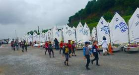 Optimist sailors prepare for the Connaughts at Foynes