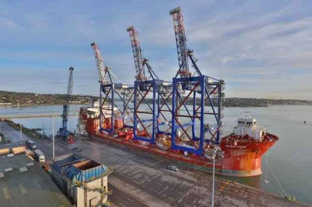 Heavy Transport Ship 'Albatross' Moves to Port of Cork's Deepwater Berth for Ballasting