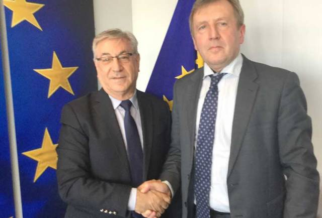 Ireland's Marine Minister Creed (right) with EU Commissioner Vella