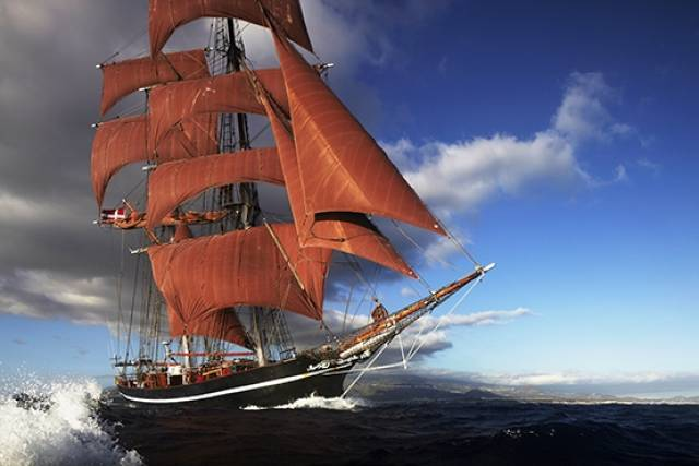 Tall Ship Eye of the Wind visits Dublin in October