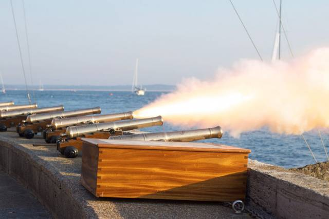 Start cannons at the Royal Yacht Squadron, Cowes