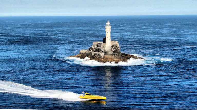 Thunderchild II at the Fastnet Rock and onher way to a new  World Record