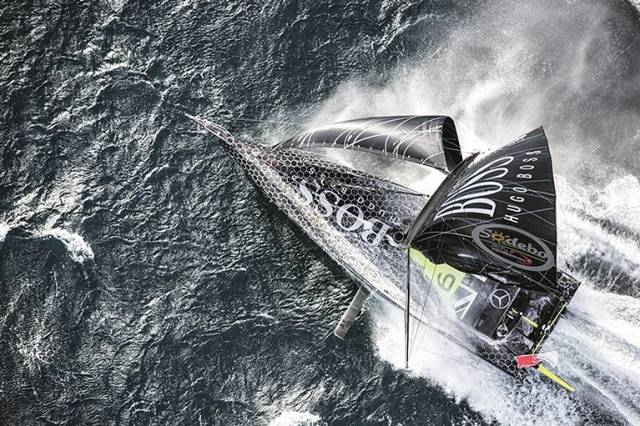 Alex Thomson Extends Lead in Vendée Globe