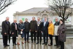 An Cathaoirleach Cllr. Tom Murphy joins dlr councillors and officials to mark the signing of the €9m contract with SIAC-Mantovani for the redevelopment of the old Dun Laoghaire Baths site